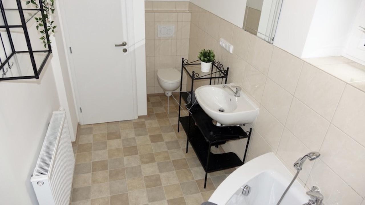 PRAHA 10 - ZÁBĚHLICE, 1 Bedroom ložnice, 1 Pokojů pokoje,1 KoupelnaBathrooms,Byty,Pronájem,PIVOŇKOVÁ,1,1020